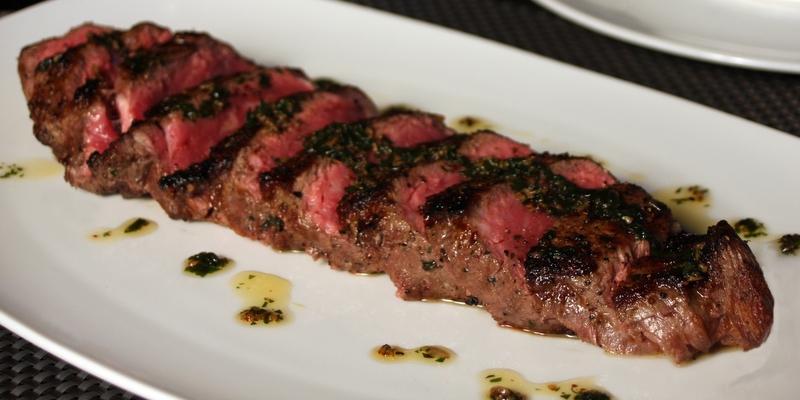 1-RED_sliced_steak
