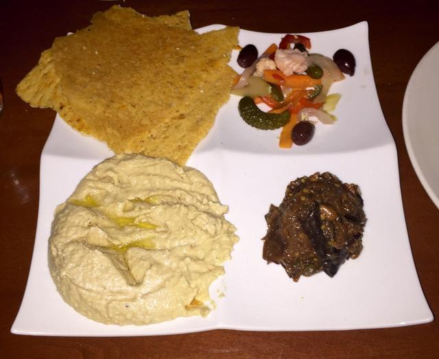 City Cellar Mediterranean Hummus and Flatbread