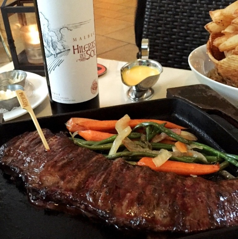 Image gallery huge argentinian restaurant steak for Fish house miami