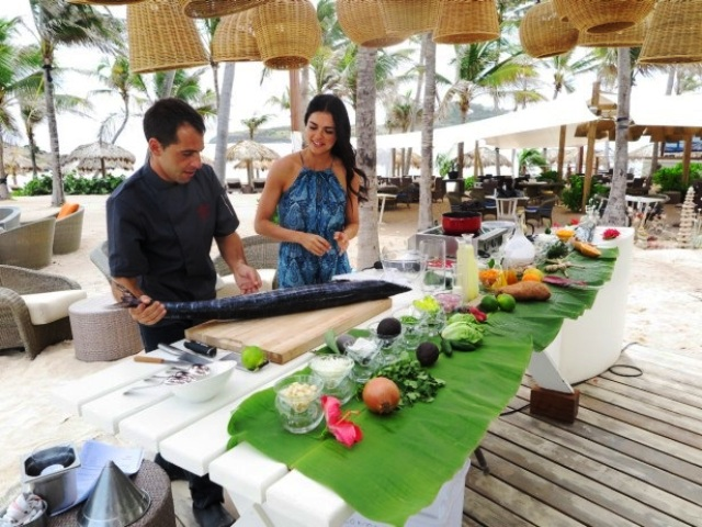 TV Host Katie Lee Talks about the Cooking Channels Beach Bites