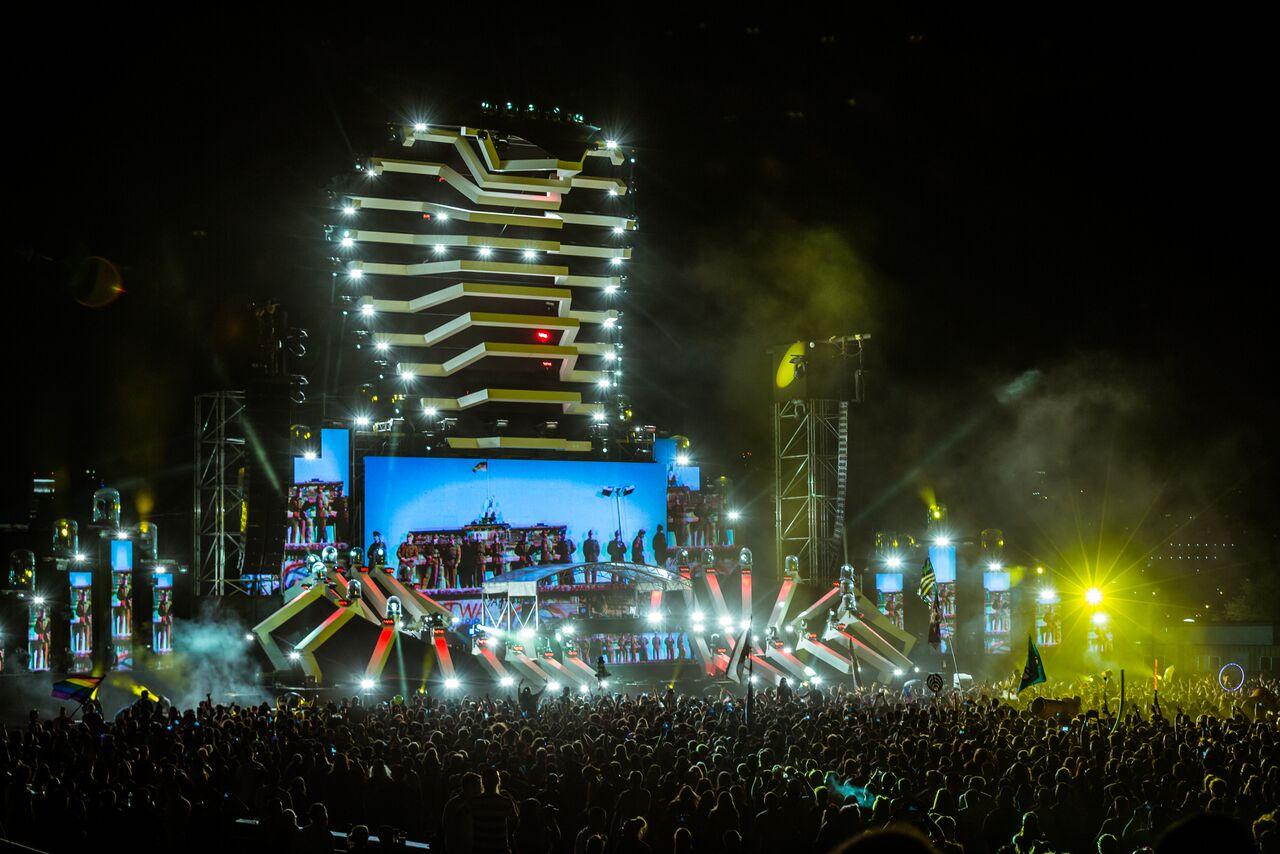 EZOO 2016 Night Cobra aLIVE Coverage
