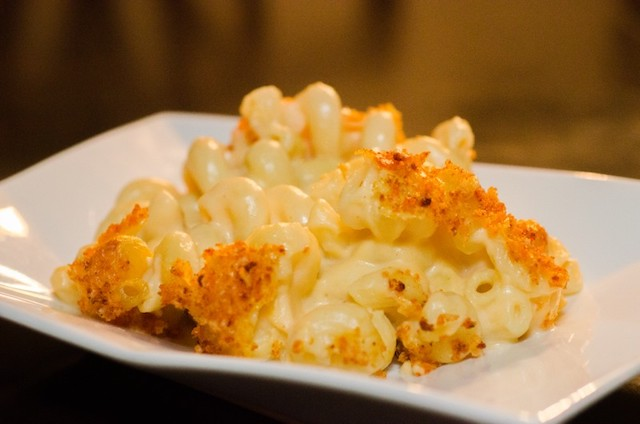 210 Restaurant and Music Lounge Mac and Cheese