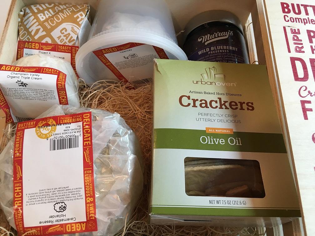 murrays-cheese-inside-box