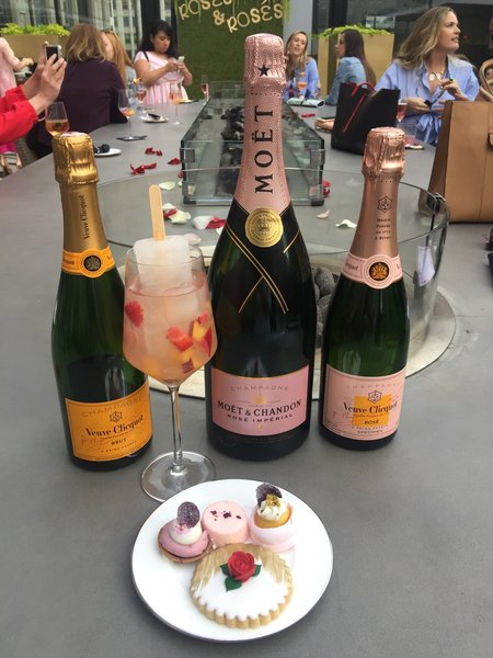 Luxury Hotel Chicago Champagne